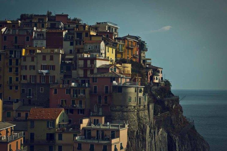 Casas construídas - Colina colorida