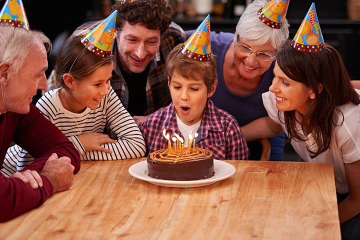 tocar desejos de aniversário para o filho