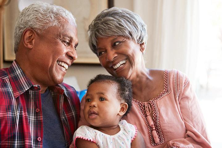 Coisas divertidas com as quais apenas os avós de primeira viagem podem se relacionar