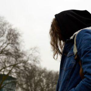 Superando a solidão na faculdade: minha jornada em saúde mental