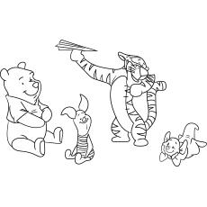 Winnie brincando com os amigos