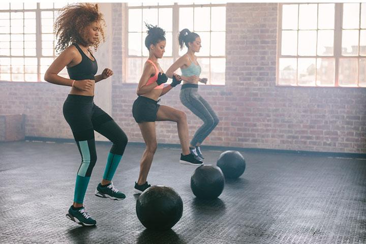Exercícios ou exercícios pesados devem ser evitados.