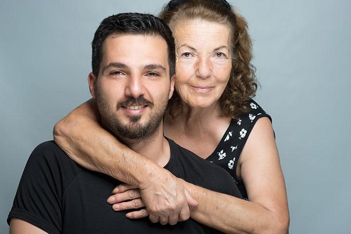 O vínculo compartilhado entre mãe e filho é lindo.
