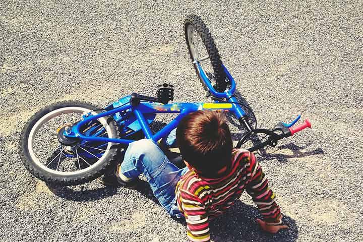 Andar de bicicleta sem capacete