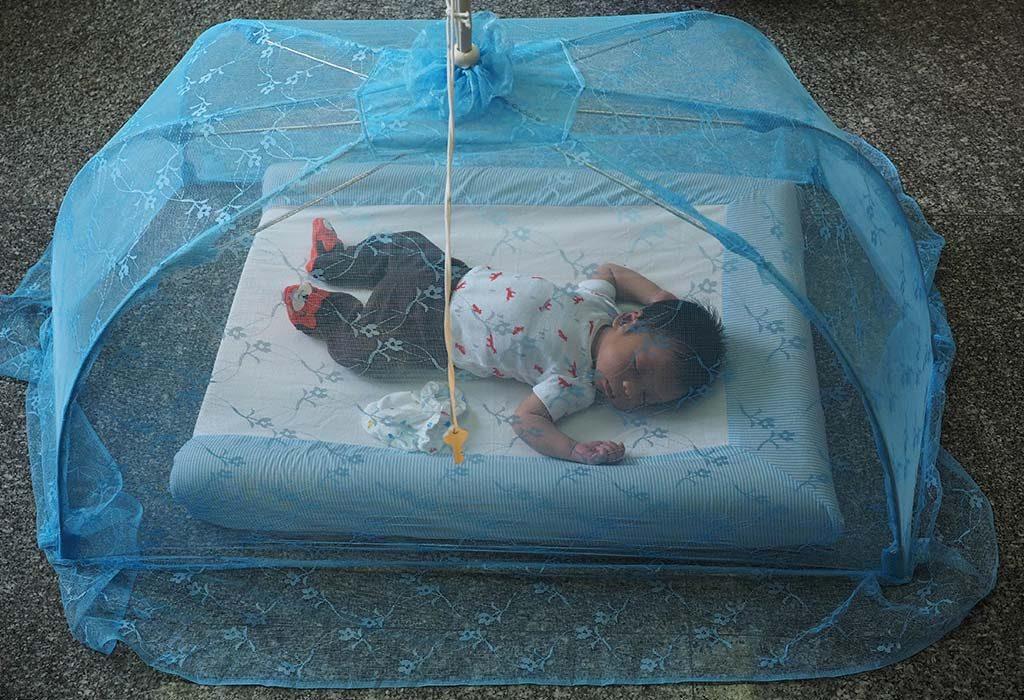 Bebê dormindo no chão Benefícios