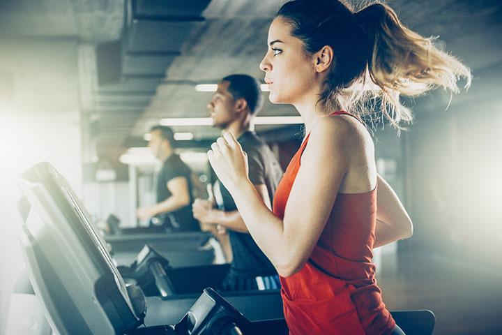 Posso continuar minha rotina de exercícios? Existe algum tipo de exercício a evitar?
