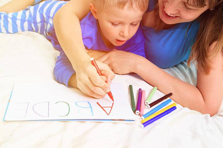 Como ensinar seu filho a escrever o alfabeto