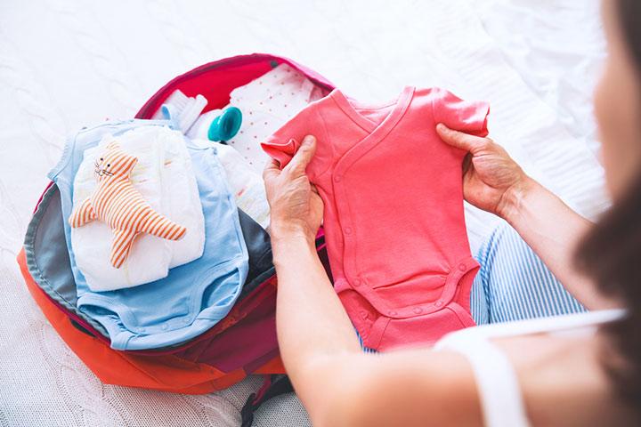 Mantenha um conjunto extra de roupas em seu carro