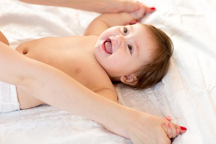 Tente fazer uma massagem no bebê