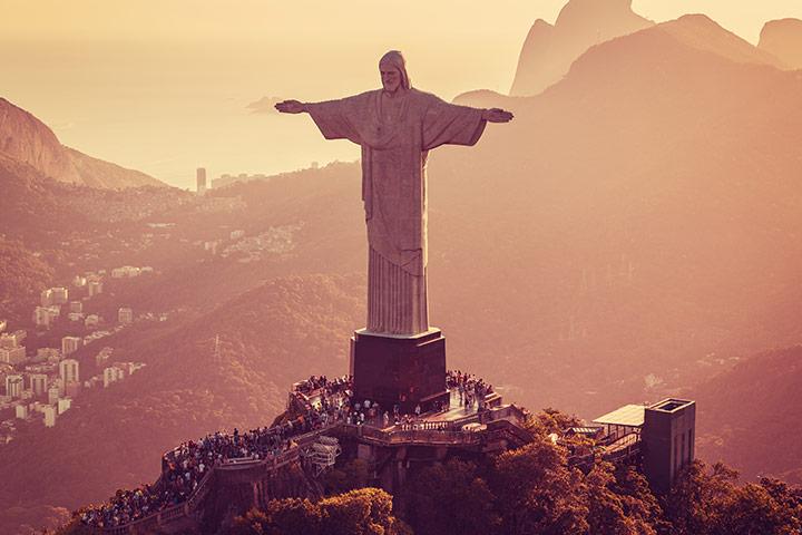 Qual é o peso da estátua do Cristo Redentor?