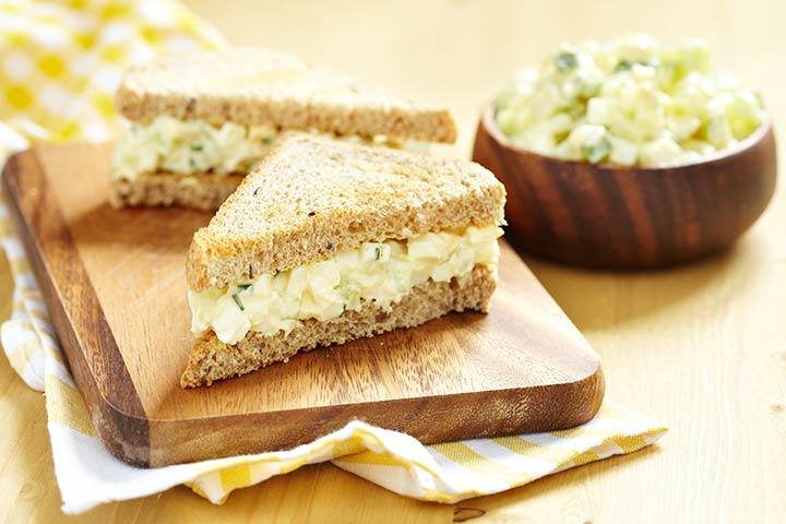Sanduíches de abacaxi e creme de queijo
