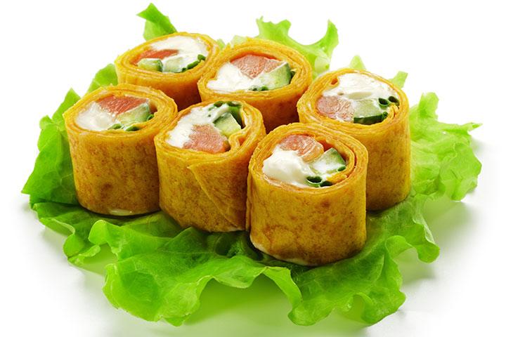 Sushi com ovo e pesto