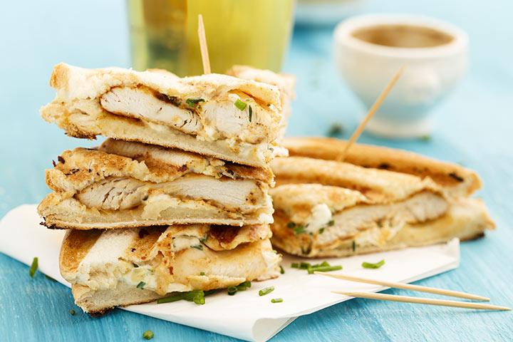 Sanduíches de frango e batata