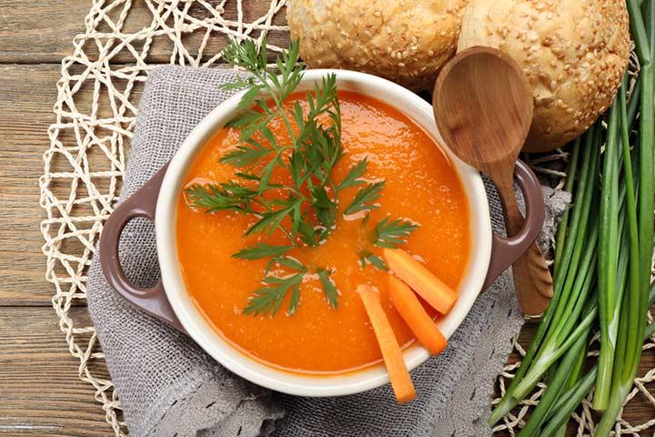 Sopa de cebola e cenoura