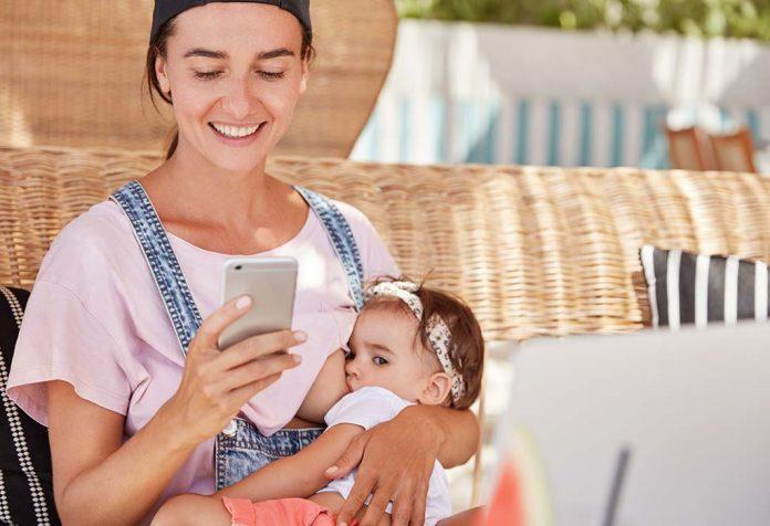 5 razões para evitar o uso do celular durante a amamentação