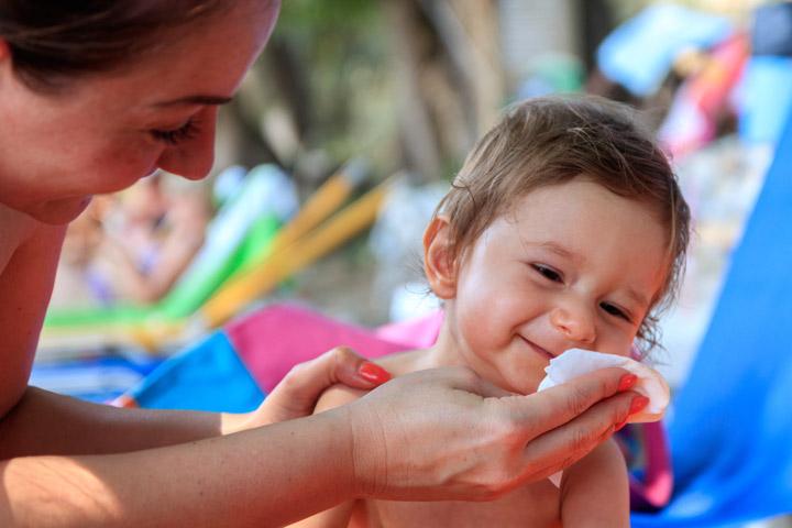 Elementos essenciais para o cuidado da pele que seu bebê precisa