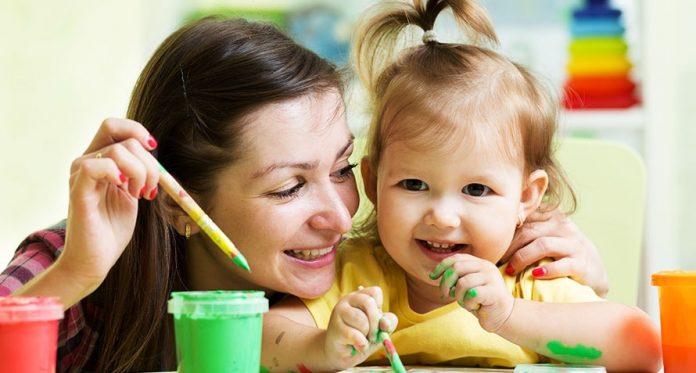 atividades simples para seu bebê usando utensílios domésticos