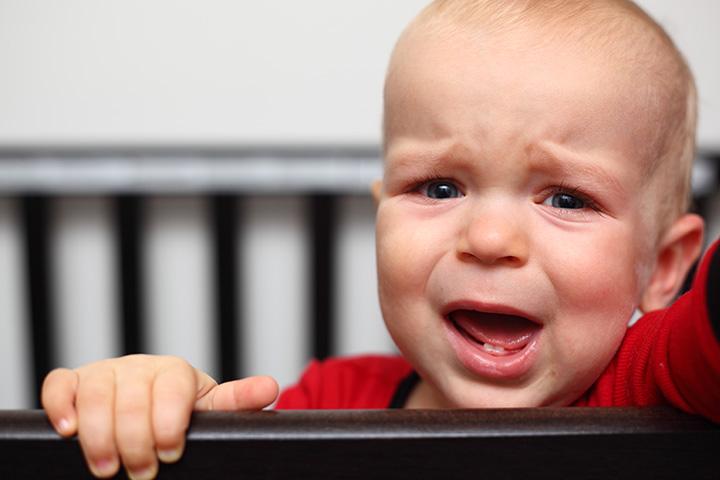 Eis por que os meninos do bebê devem poder chorar