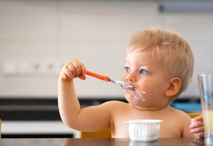 Laticínios para bebês: benefícios à saúde e muito mais
