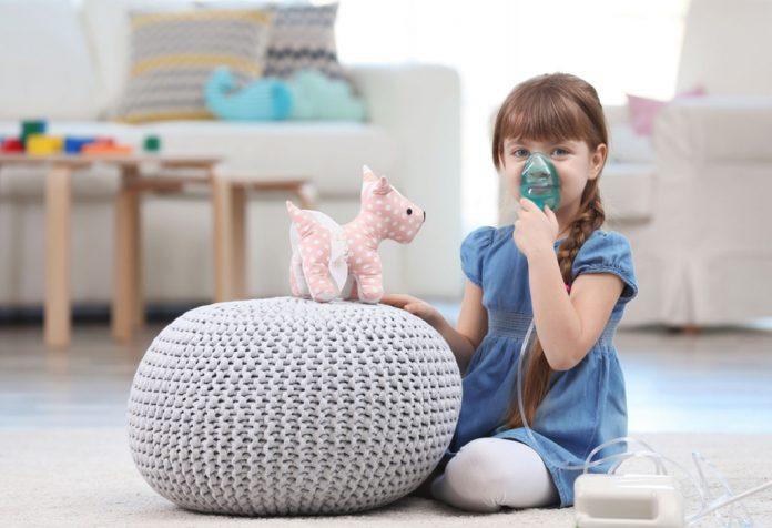 Nebulização para bebês e crianças