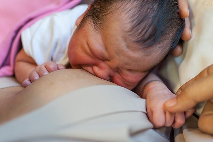 O suprimento excessivo de leite pode causar asfixia em bebês