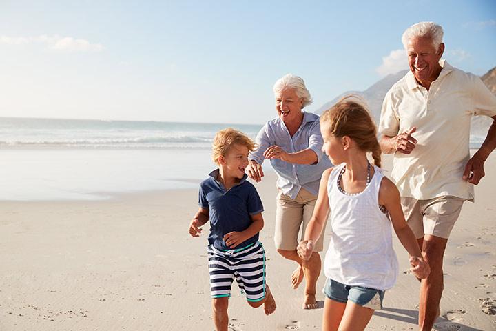 Por que os avós maternos tendem a estar mais próximos dos netos do que os avós paternos?