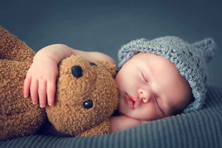 Por que os bebês dormem tanto? É realmente um bom sinal