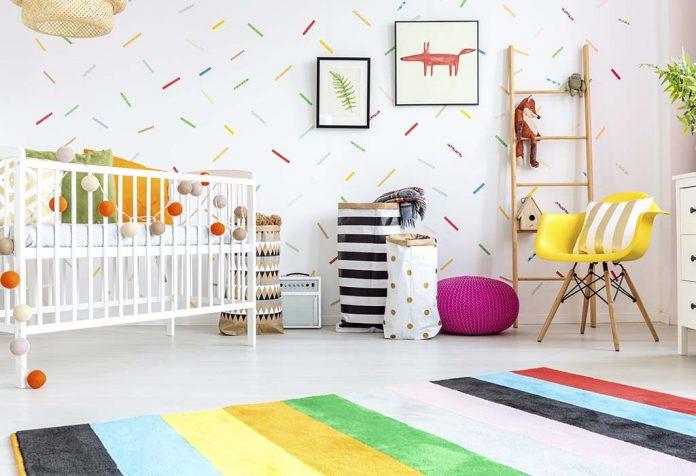 Preparando a casa e preparando o quarto do bebê para receber a chegada do recém-nascido