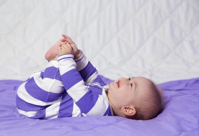 Um bebê de seis meses