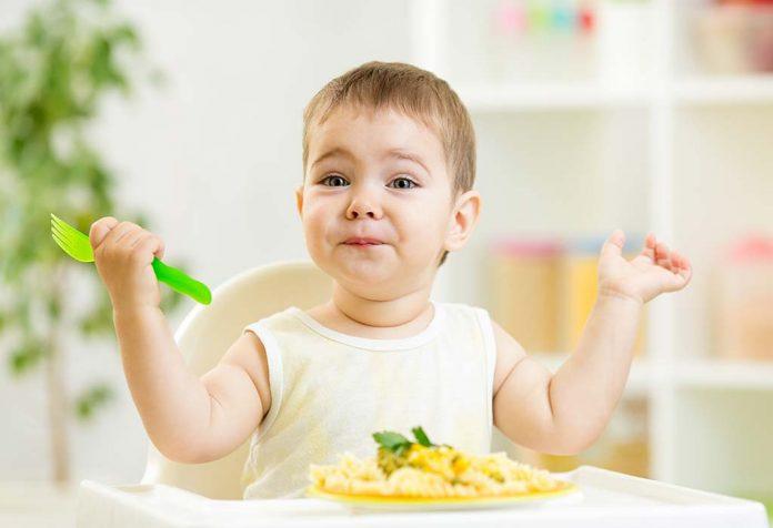 seu bebê de 52 semanas: desenvolvimento, marcos e cuidados