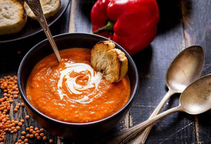 Sopa de tomate e abóbora com receita de arroz
