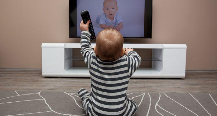 hora da tela e seu bebê