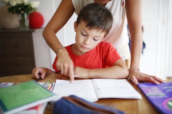 4 perguntas que você pode estar se perguntando sobre o TDAH durante o aprendizado em casa