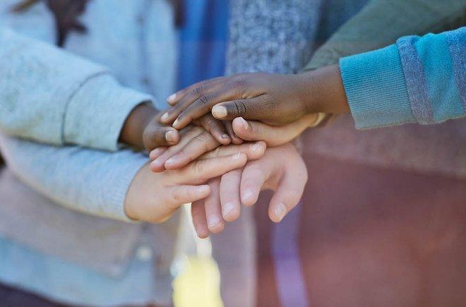 5 recursos para conversar com crianças sobre raça
