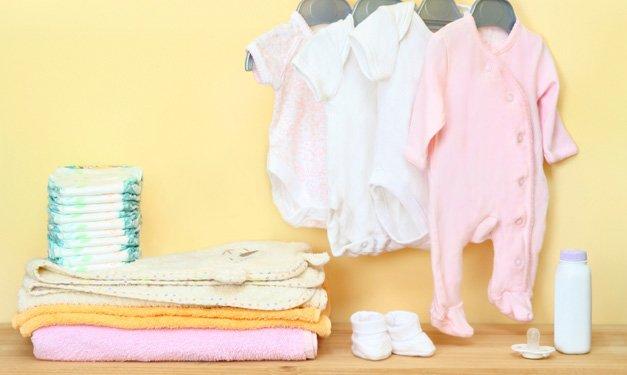 As coisas mais essenciais que um bebê recém-nascido precisa e o que pular