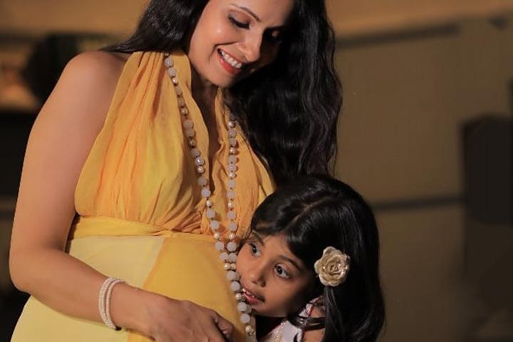 Chhavi Mittal abençoado com um bebê