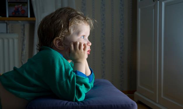 Reduzir o tempo de tela da família para a semana sem tela