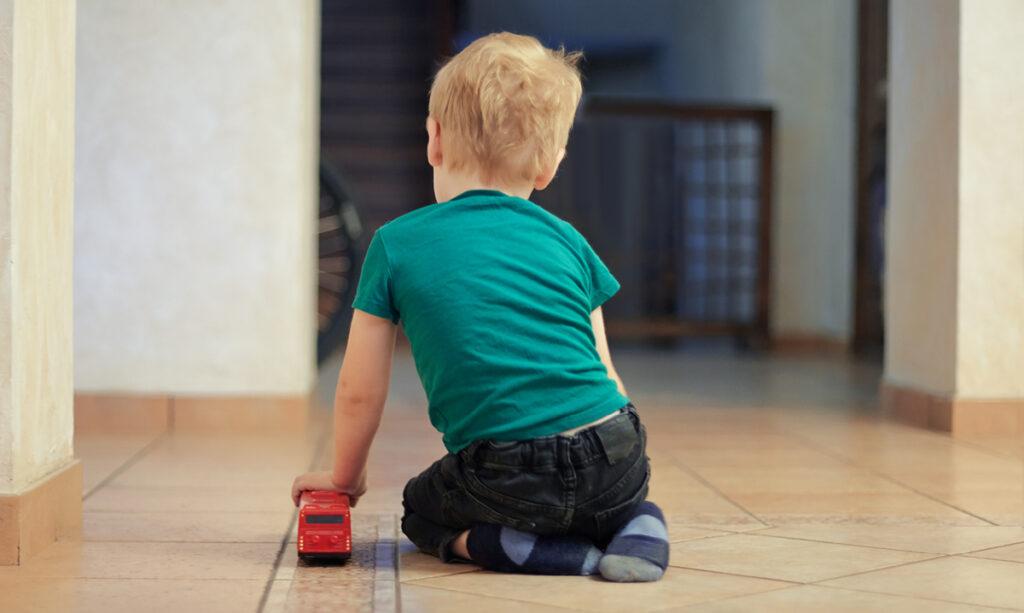 Genética pode ser o maior fator de risco para o autismo, diz estudo