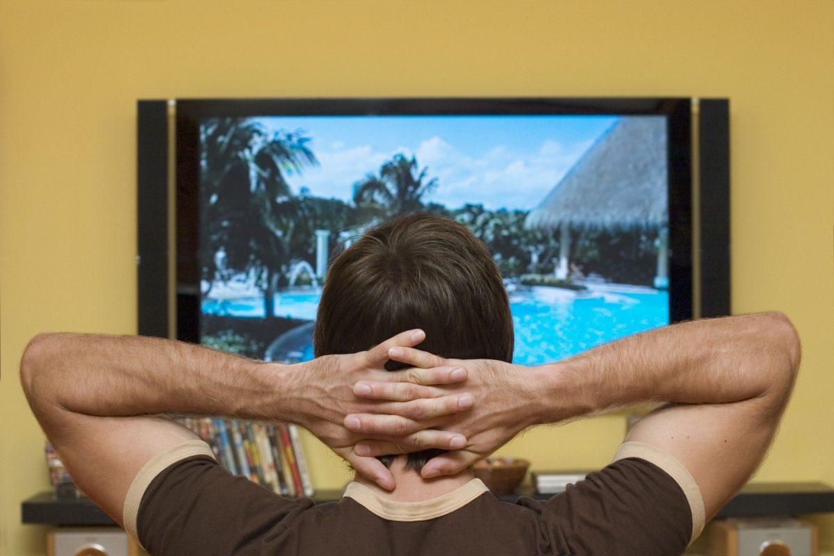 Sintomas e riscos do vício em televisão
