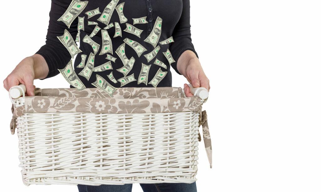 O salário da mãe que fica em casa deve ficar em torno de US $ 162.000, diz estudo