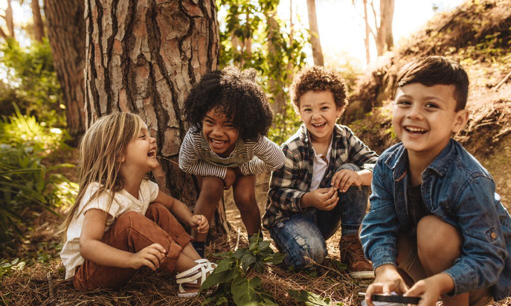 Os fatos sobre como funcionam as amizades infantis